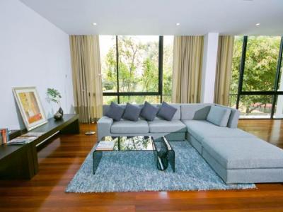 For RentHouseSukhumvit, Asoke, Thonglor : For rent luxury house with private pool. Great location, Soi Sukhumvit 63 Ekkamai, near BTS Ekkamai, fully furnished