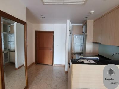 For RentCondoSathorn, Narathiwat : P17CR2001021 Rent Sathorn Gardens 1 Bed 28000