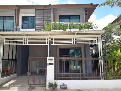 For RentTownhousePattanakan, Srinakarin : H186-For Rent Pruksa Ville73 Townhouse, 26 sq. Wah, 2 floor, 3 bedrooms, 2 bathrooms + washing machine @ 30,000