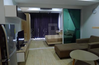 เช่าคอนโดนานา : For Rent The TRENDY Condominium (35.65 sqm.)