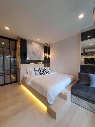 For RentCondoWitthayu,Ploenchit  ,Langsuan : New condo for rent, Life 1 Wireless