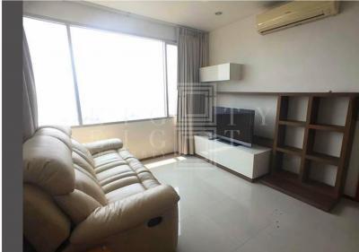 For RentCondoWongwianyai, Charoennakor : For Rent Villa Sathorn (59 sqm.)