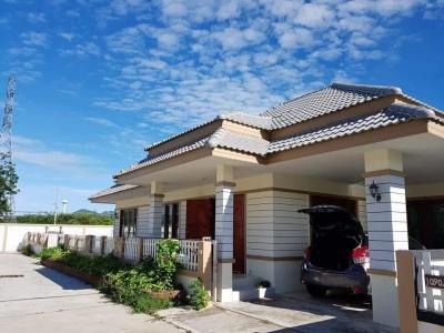 ขายบ้านเพชรบุรี : ขายด่วน ราคาคุ้มมาก ต่อรองได้ ยื่นธนาคารให้ 2.35ล้าน ราคาพิเศษ จองด่วน