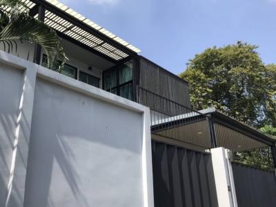 For SaleHouseSukhumvit, Asoke, Thonglor : Single house for sale, Ekamai, Sukhumvit 63 With swimming pool