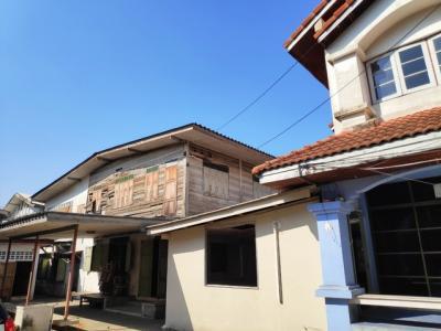เช่าบ้านพระราม 8 สามเสน ราชวัตร : RH316 ให้เช่าบ้านเก่า 2 หลัง ซอยสันติสุข แขวงถนนนครไชยศรี เขตดุสิต กรุงเทพมหานคร