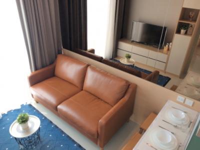 เช่าคอนโดรัชดา ห้วยขวาง : (Owner Post) Brand New Noble Ratchada 2 เพดานสูง For Rent