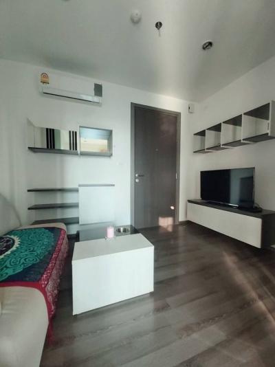 For RentCondoOnnut, Udomsuk : M2236-Condo for rent The Base Park East Sukhumvit 77 30.50 sqm. Floor 14 1 bedroom 1 bathroom @ 12,000