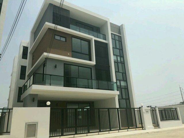 For RentHome OfficeSamrong, Samut Prakan : 4-storey home office for rent The Best Kingkaew-Suvarnabhumi Near Suvarnabhumi airport