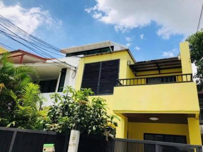 For RentHouseRama3 (Riverside),Satupadit : Townhouse for rent, near Silom, Sathorn, near MRT Lumpini, Yen Akat Road.