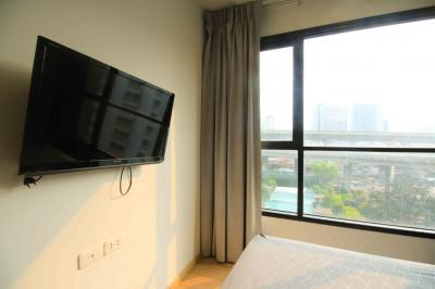 For SaleCondoRamkhamhaeng, Hua Mak : The cheapest condo in the project !! Sell The Base Rama 9, Build In Room, Special price !! Size 31 sq.m., 7th floor, pool view.