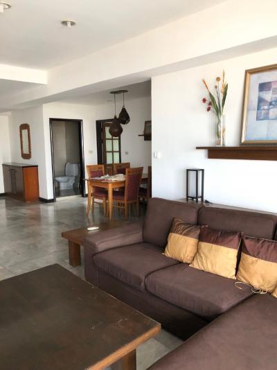 For RentCondoSukhumvit, Asoke, Thonglor : Royal Castle Sukhumvit 39 (3 Beds 140 sqm) @BTS PhromPhong 50,000 THB (Negotiable)