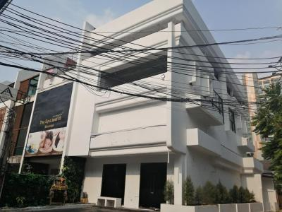 For SaleShophouseSukhumvit, Asoke, Thonglor : Sell / rent 4 storey building, Soi Sukhumvit 35, behind EmQuartier, BTS Phrom Phong