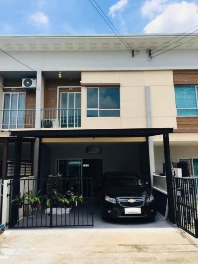 For RentTownhousePattanakan, Srinakarin : Beautiful townhome, ready to move in, Pattanakarn 38