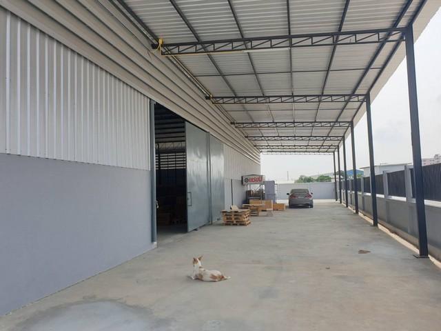 For RentWarehouseLadkrabang, Suwannaphum Airport : Warehouse for rent, Khlong Sam Wa District, Bang Chan, Soi Phraya Suren, area 648 square meters.