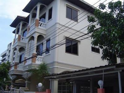 For RentHouseSapankwai,Jatujak : 3-storey house for rent near Horwang School Central Ladprao, MRT Phahon Yothin, BTS Ladprao Soi Phaholyothin 19, Soi Vibhavadi 28