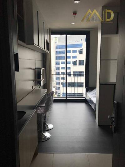 For RentCondoSukhumvit, Asoke, Thonglor : Room for Rent the edge sukhumvit 23 Condo(High Rise Condo 35 floors and car park builing 9 floors. )  nearby BTS/MRT Interchange (Asok/Sukhumvit Station)