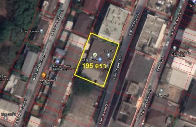 ขายที่ดินพระราม 9 เพชรบุรีตัดใหม่ : ขายที่ดิน ซอยพระรามเก้า 31 เนื้อที่ 195 ตรว. พร้อมสิ่งปลูกสร้าง(ติดทรัพย์)