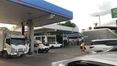 For SaleShowroomLadkrabang, Suwannaphum Airport : Sell PTT gas station on Chalerm Pra Kiat Rama 9 road, just far from Udom Suk intersection / Srinagarindra road, just 470 meters. Sell all businesses including rental shops.