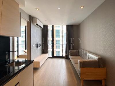 เช่าคอนโดสุขุมวิท อโศก ทองหล่อ : For Rent Park 24 (55 sqm.)