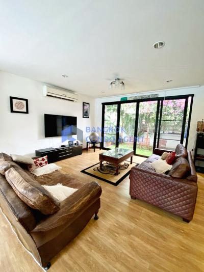 For RentHouseSukhumvit, Asoke, Thonglor : Superb house rent with private pool at Ekamai