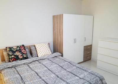 For RentCondoOnnut, Udomsuk : Room for rent: MY CONDO SUKHUMVIT 52 (BTS Onnut) Condo for rent: My Condo Sukhumvit 52 (BTS Onnut), full electrical appliances Ready to move in Convenient transportation near the sky train station. Near Tesco Lotus Onnut for rent 8,500 / month