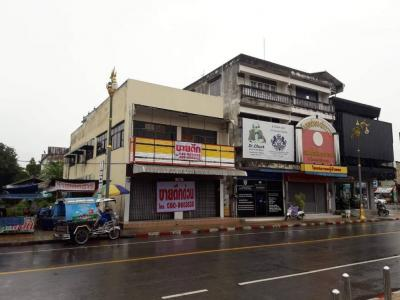 For SaleShophouseNong Khai : Quick sale, 2 storey commercial building, 2 rooms, 53 square meters, width 8x30 meters Located on Prachak Road The duty to make cross-border trade books