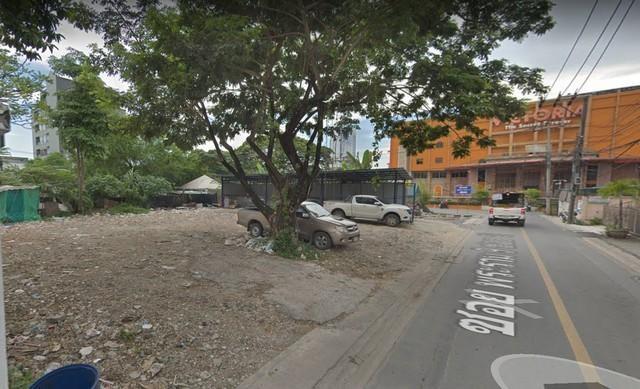 For SaleLandRatchadapisek, Huaikwang, Suttisan : Land for sale, 78 sq. W., Corner plot, Rama 9, Huai Khwang, opposite Victoria