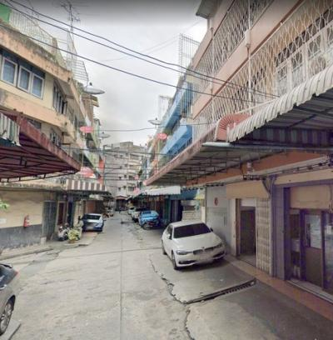 For RentShophouseSilom, Saladaeng, Bangrak : 4.5 Commercial buildings for rent near Yellow Bridge intersection Near MRT Hua Lamphong, MRT Sam Yan, near Siam, suitable for warehouse