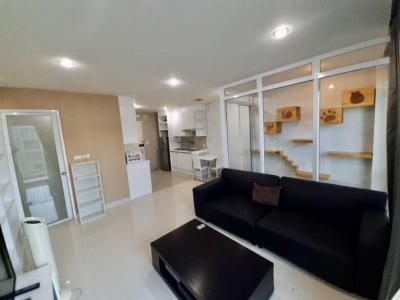 For RentCondoLadprao101, The Mall Bang Kapi : ((For rent)) condo available for animals With a room for dogs and cats Swimming pool view, Happy Condo, Ladprao 101, South Building, Floor 5