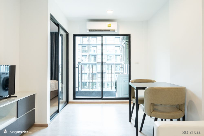 For RentCondoBangna, Lasalle, Bearing : Luxury condo, Soi La Salle, near BTS Bearing. Rental only 8,000 baht. Room size 30 sqm.