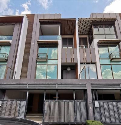For SaleTownhouseSukhumvit, Asoke, Thonglor : Quick sale 4 floor townhome, Ekamai-Thonglor, Residence Sukhumvit 65 m from Sansiri