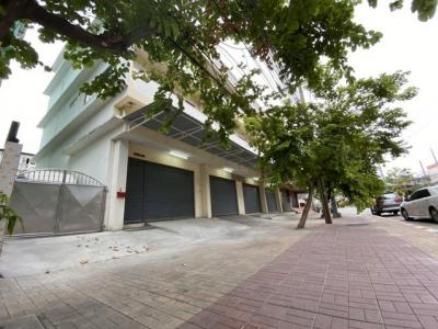 For RentShophouseRama 2, Bang Khun Thian : For rent, 4 commercial buildings on Rama 2 road, near expressway with 3 phase electricity.