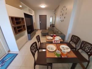For RentCondoBang kae, Phetkasem : 2 bedroom condo for rent at Supalai Park Ratchapruek-Phetkasem, next to BTS / MRT Bang Wa, high floor, south 18,000 baht / month