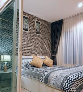 For RentCondoBang Sue, Wong Sawang : Condo for rent, Aspire (Ratchada-Wongsawang), 25th floor, pool view (next to Wongsawang MRT)