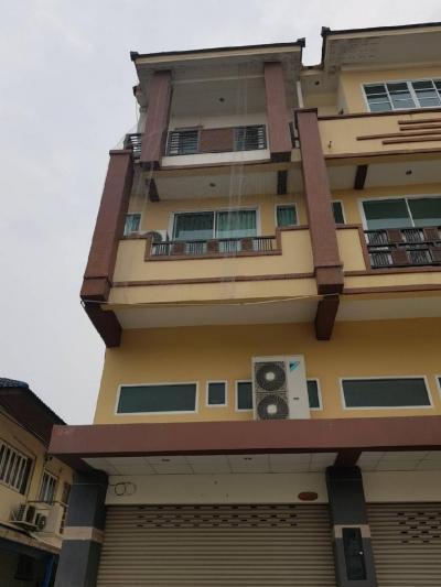ขายตึกแถว อาคารพาณิชย์พัทยา บางแสน ชลบุรี : ขายอาคารพาณิชย์ ใจกลางเมือง ชลบุรี พร้อมผู้เช่า