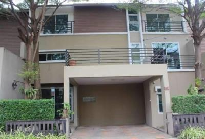 For RentTownhouseBangkruai, Ratchapruek : 3-story townhome for rent in Asita Soi Tiwanon 38 project Than Samrit 28 Junction, some furniture, 4 air conditioners