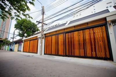เช่าทาวน์เฮ้าส์/ทาวน์โฮมสาทร นราธิวาส : B54 ให้เช่าทาวน์โฮม 2ชั้น หมู่บ้านนครไทย ซอย 13 ติดกับเซ็นทรัลพระราม 3  บ้านสวยทำเลดี