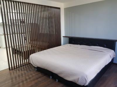 For RentCondoSukhumvit, Asoke, Thonglor : For rent supalai place, newly renovated room, renovated room 20,000 baht 50 sqm.
