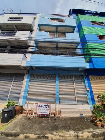 For SaleShophouseBangna, Lasalle, Bearing : Commercial building for sale 6.9 mb. Near the Orange Line, Sukhaphiban 3 Road, Ramkhamhaeng 104, near Somapa School