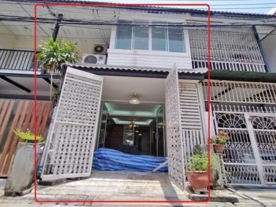 For SaleTownhouseRatchadapisek, Huaikwang, Suttisan : Sell 2-story townhouse, Asoke-Din road, Dong 21 Yak 8 (Soi Pho Sook Yak 15), MRT Rama 9, cheap price