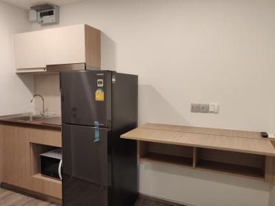 เช่าคอนโดวิภาวดี ดอนเมือง หลักสี่ : ให้เช่าคอนโด Brown Phahol67  ติดรถไฟฟ้าสถานีสายหยุด  1ห้องนอน 1ห้องน้ำ มีเครื่องซักผ้า เพียง 8,500 บาท/เดือน