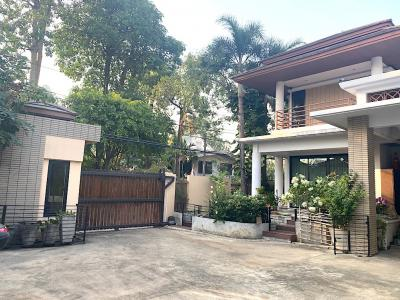 For SaleHouseOnnut, Udomsuk : House for sale 800 square meters of land in Phra Khanong area