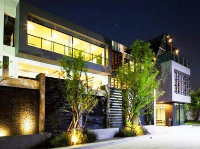 เช่าบ้านเลียบทางด่วนรามอินทรา : ให้เช่าบ้านเดี่ยว 3 ชั้น โครงการหรู ไพรเวท เนอวานา เรสซิเดนซ์ Private Nirvana Residence ขนาด 340 ตร.ม. ขนาด 3 ห้องนอน 4 ห้องน้ำ ติดถนนเลียบทางด่วน เอกมัย-รามอินทรา ถนนประดิษฐ์มนูธรรม ใกล้ทางด่วน Central East Ville, Cryst
