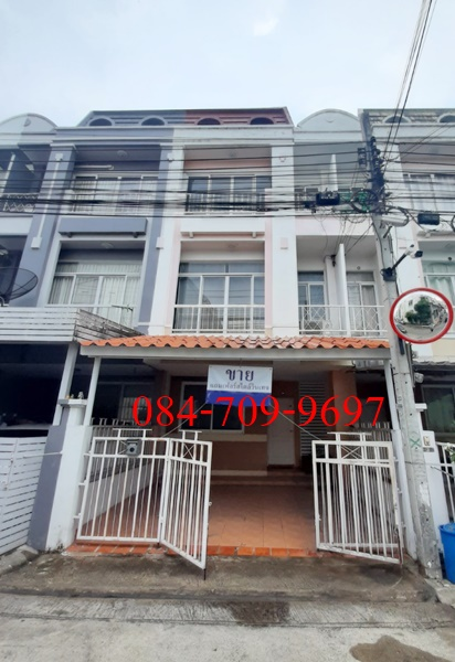 For SaleTownhouseKaset Nawamin,Ladplakao : Selling ten thousand hundred thousand m. Soi Nawamin 163 or Soi Nuanchan 36 area 20 Trw. There are 4 bedrooms, 4 bathrooms, price 2.69 million
