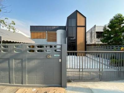 เช่าบ้านลาดกระบัง สุวรรณภูมิ : RH335ให้เช่าบ้านเดี่ยว 2 ชั้น 88 ตารางวา 3 ห้องนอน 3 ห้องน้ำ พัฒนาการ 65