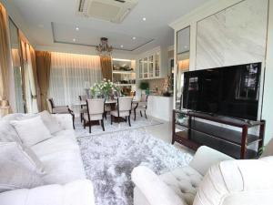 For RentHouseNawamin, Ramindra : House for rent, luxury project village, Grandio Ladprao-Kaset Nawamin, Grandio Ladprao-Kaset Nawamin, area 80-200 sq m., luxury decoration, access to Kaset-Nawamin road.