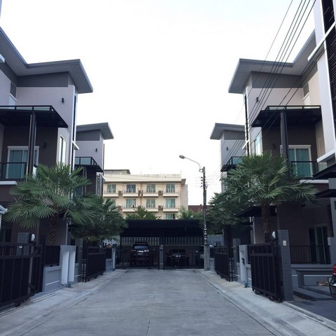 For SaleHouseLadprao 48, Chokchai 4, Ladprao 71 : AE0156 3 storey house for sale in Soi Nakniwat 3, 48 sq. Wah, fully furnished, ready to move in