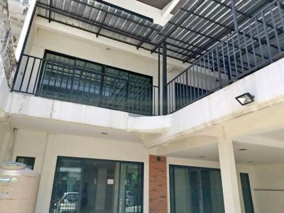 For RentTownhouseRamkhamhaeng, Hua Mak : RT390 Home Office for rent, 3 floors, 2 rooms, Talukun, Ramkhamhaeng 30, near Ramkhamhaeng University.