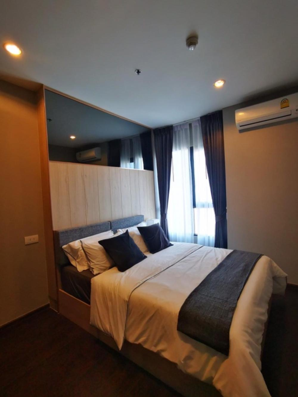 For RentCondoSukhumvit, Asoke, Thonglor : 🌼 New room for rent, C Ekkamai, 1 bedroom, 1 bathroom, 31 sqm., High ceiling on the 37th floor, very beautiful view 🔥 Near Petchaburi exit Convenient to both Asoke and Rama 9.