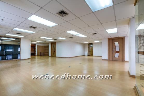 For SaleOfficeWongwianyai, Charoennakor : Sell office space on Sinn Sathorn Tower, 343 sqm corner room, 150 meters from BTS